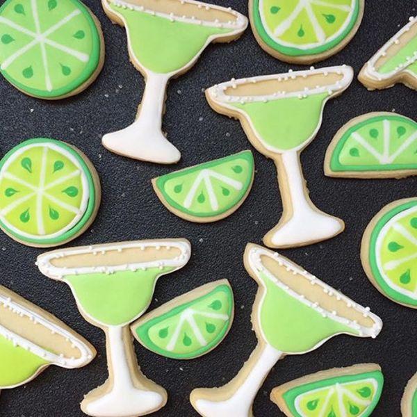 graphic-designer-makes-custom-cookies-holly-fox-design-7-572da29344ea1__700