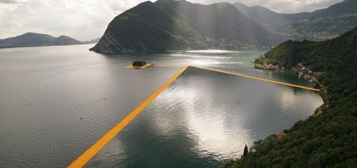 christo-and-jeanne-claude-floating-piers-lake-iseo-italy-3