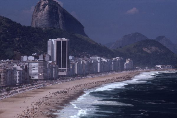 the Daily Life at the Rio Beaches in the late 1970s (2)