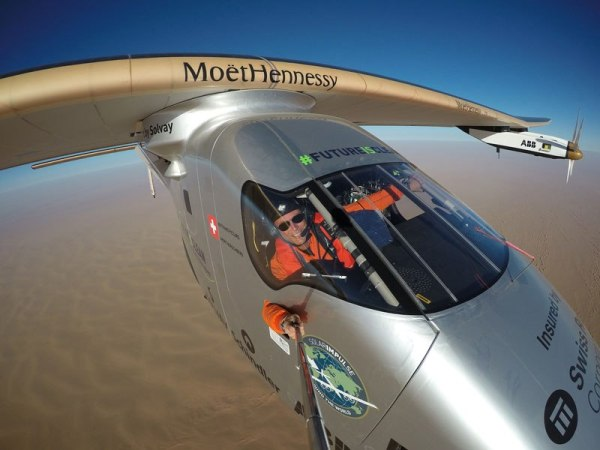 solar-impulse-plane-circumnavigates-globe-without-single-drop-of-fuel-24