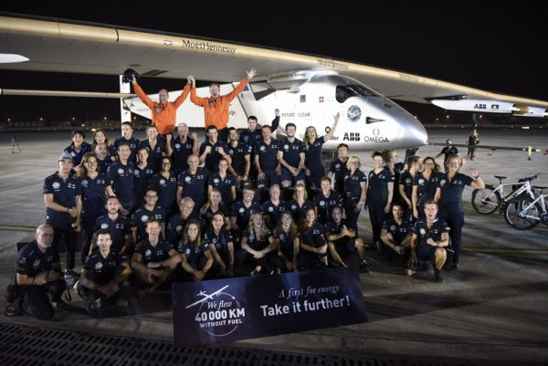 solar-impulse-plane-circumnavigates-globe-without-single-drop-of-fuel-25