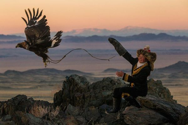 eagle-hunters-of-mongolia-by-asher-svidensky-5