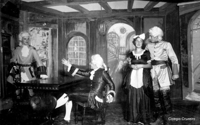 1933 - Apresentação teatral
