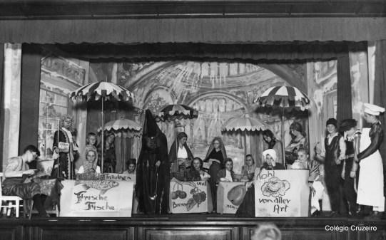 1935 - Apresentação teatral