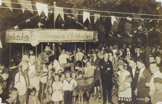 1927 - Bazar realizado no pátio do Colégio Cruzeiro - Centro