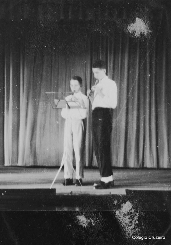 1951 - Irmãos Klaus e Hans Wolff em apresentação de flauta