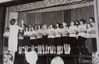 1966 - Apresentação do coro na Noitada teatral realizada em outubro