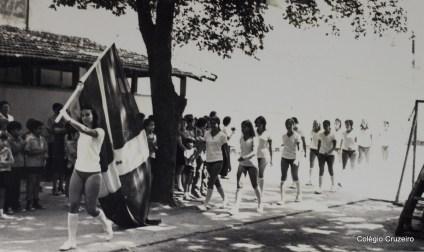 1971 - Alunos desfilam nos Jogos Olímpicos do Colégio Cruzeiro