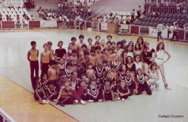 1983 - Alunos do Colégio Cruzeiro - Centro em competição esportiva
