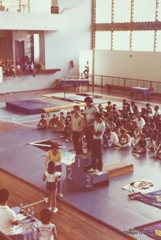 1983 - I Copa da AA BB, em Niterói - Premiação do Colégio Cruzeiro - Centro