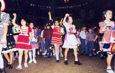 1996 - Dança das Lanternas no Colégio Cruzeiro - Centro