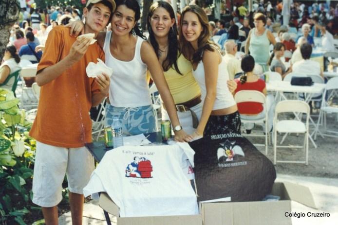 2002 - Alunos na Festa de Maio do Retiro Humboldt