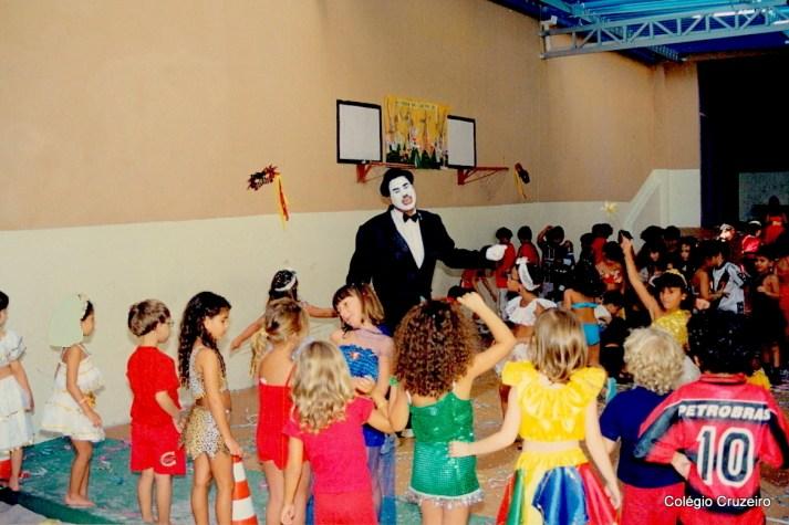 2000 - Carnaval no Colégio Cruzeiro - Centro