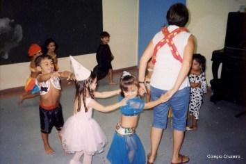 2003 - Carnaval no Colégio Cruzeiro - Centro
