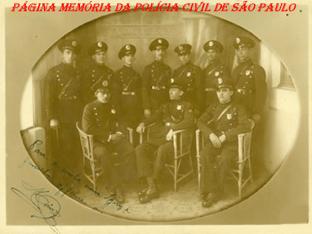 Em 1926 o governador Carlos de Campos instituiu a Guarda Civil da Polícia do Estado de São Paulo. Na foto um registro anterior a 1930, na qual vemos alguns policiais dessa notável corporação extinta em 1970 e que teve boa parte de seu efetivo combatendo pela causa paulista durante a Revolução Constitucionalista de 1932.