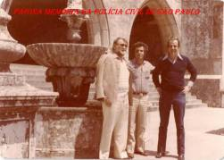 """Em Portugal, investigando sequestro de um joalheiro português no Brasil, em 1.983: À partir da esquerda, Delegado Raul """"Pudim"""",""""in memorian""""; Investigadores Waldir Tabach e Roberto Gelezauskas."""