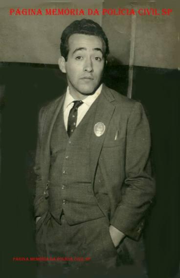 Investigador de Polícia do DI- Departamento de Investigações e DEIC, Nilton Becker , ao melhor estilo Eliot Ness, na década de 60.