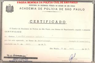 Certificado da ACADEPOL do Curso de Especialização, do então Investigador de Polícia Sestilio Paciotti, em 26 de abril de 1.984, assinado pelos Delegados Rubens Liberatori e Roberto Maurício Genofre.