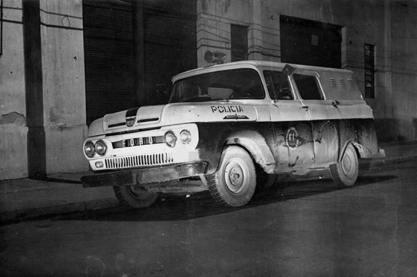 Viatura de marca Ford da RUDI- Rondas Unificadas do Departamento de Investigações, na década de 60. (Acervo de Douglas Nascimento, Jornalista, fotógrafo e pesquisador independente, editor do o site São Paulo Antiga).