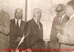 À partir da direita, (?); à época, Delegado Geral de Polícia Coriolano Nogueira Cobra (duas vezes Delegado Geral de Polícia), Coronel Chaves (Secretário da Segurança Pública) e Delegado José Renê Motta, em 1968.