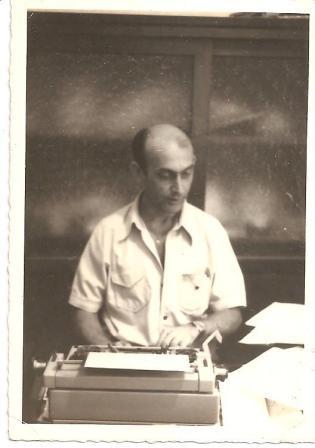 """Escrivão de Polícia Rafael Morales (falecido em 1.998), referência de profissional, onde trabalhou por muito tempo na cidade de Itanhaém. (enviado pelo Investigador de Polícia Mário Rebouças de Itanhaem""""."""