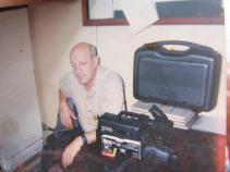 Investigador de Polícia Frank, trabalhou no DEIC, nas delegacias de Estelionato e na Quarta Delegacia de Furtos Qualificados. Foto tirada da Delegacia do Metropolitano em 1975.