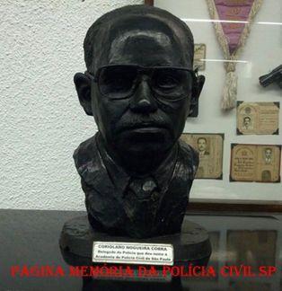 Busto do Delegado de Polícia Coriolano Nogueira Cobra, no Museu do Crime da ACADEPOL, que leva o seu nome. (enviado pela filha Teresa Cobra)