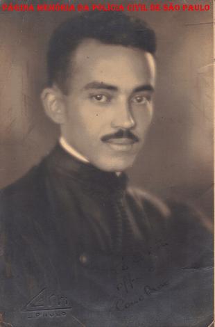 Delegado de Polícia Coriolano Nogueira Cobra, em sua formatura da faculdade de direito, em 1.934.