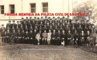 Autoridades locais e integrantes da extinta Guarda Civil da Polícia do Estado de São Paulo (destacamento do Município de Sorocaba), comandada pelo Inspetor Benedicto Franques , na década de 60. (Acervo de Vera Lúcia de Jesus)