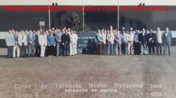 """Turma """"G"""" do Curso de Formação Técnico Profissional para Delegado de Polícia, ACADEPOL, ano 1.986. ( Acervo da Investigadora Maria Antonia Moraes Cabral da Silveira)."""