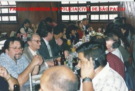 Escrivães Ivo Leonardelli e Rodomil Oliveira e chefe 35º DP, em confraterização após Correição da 2ª Seccional do DECAP, no inicio década de 90.