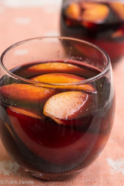 Pesche al vino rosso (Peaches in Red Wine)