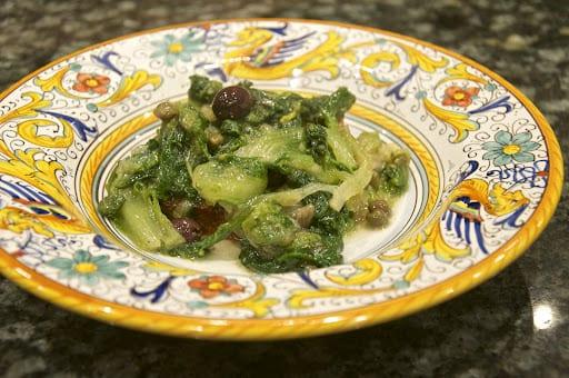 Scarola aglio e olio (Sautéed Escarole)