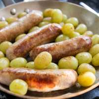 Salsicce all'uva (Sausages and Grapes)