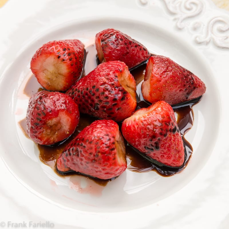 Fragole all'aceto balsamico (Strawberries with Balsamic Vinegar)