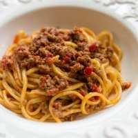 Ragù d'agnello e peperoni (Lamb and Red Pepper Ragù)