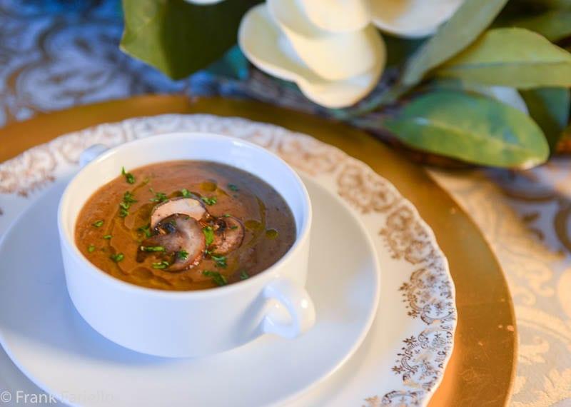 Crema di lenticchie ai funghi trifolati (Cream of Lentil Soup with Mushrooms)