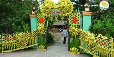 Đám cưới mà dựng cổng lá dừa, chưa bao giờ hết mốt vì quá xịn – Cổng cưới Miền Tây | Craft Gifts Shop, decor design, quà tặng trang trí handmade
