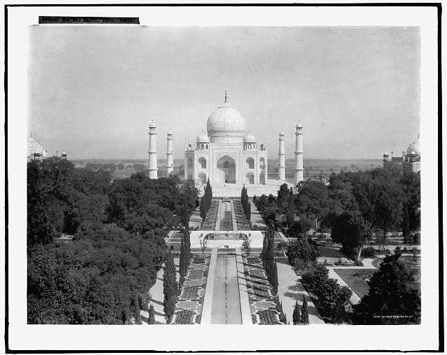 The Taj Mahal, Agra, India (between 1910 and 1920)