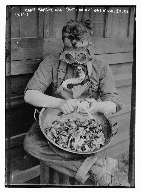 Camp Kearny, Cal. Anti-onion gas mask (c1940s)