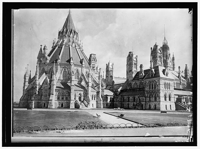 Ottawa Library, part of Parliament buildings group, Ottawa, Dominion of Canada.  c. 1914 (Library of Congress)