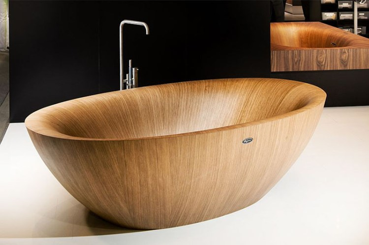 Unique-Standalone-wooden-bathtub-design 800x530