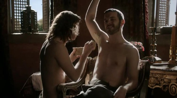 Ser Loras Tyrell (Finn Jones) shaves Renly Baratheon (Gethin Anthony)