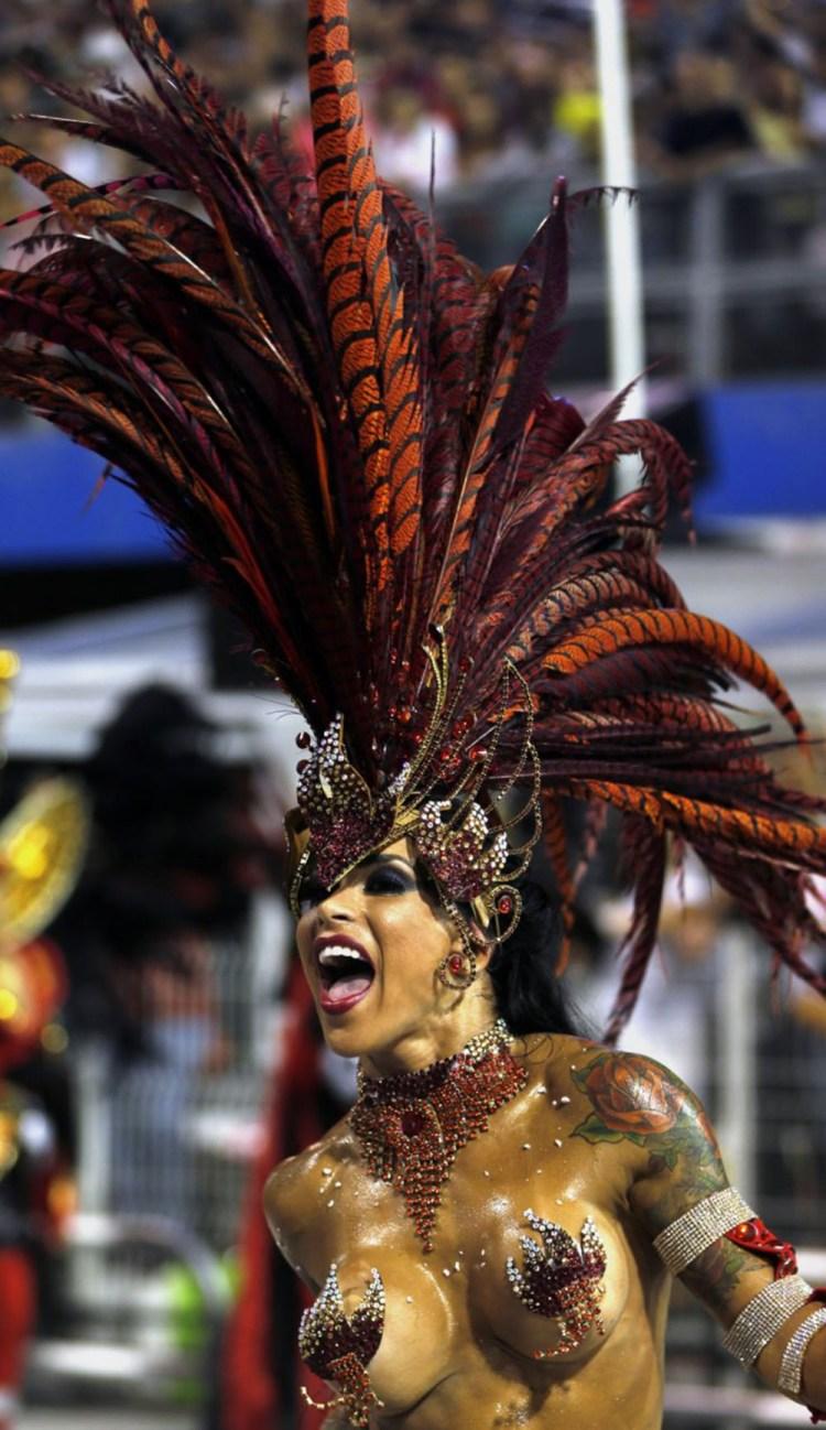 reveller-gavioes-da-fiel-samba-school-1000x