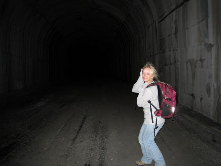girl_in_dark_tunnel_1200x900