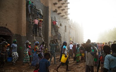 Replastering of the Great Mosque of Djenné