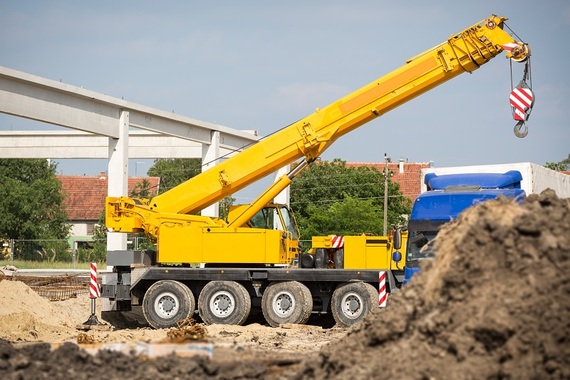 5 Ways to Hire the Best Cheap Crane Services