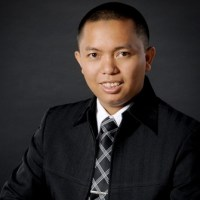 Ihsan Baihaqi Ibnu Bukhari  Direktur Auladi Parenting School  Pembicara Parenting Internasional & National Master Trainer Pelatihan Orangtua di lebih dari 60 kota di 20 Propinsi di Nusantara