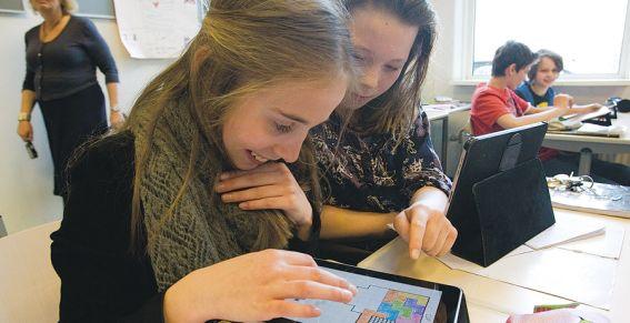 Bron: http://www.metronieuws.nl/nieuws/ipad-op-school-is-echt-wel-cool/SrZkdn!fadUQjVDmXM/