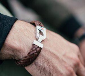 Cooles Herrenarmband aus Leder in braun von Tommy Hilfiger.